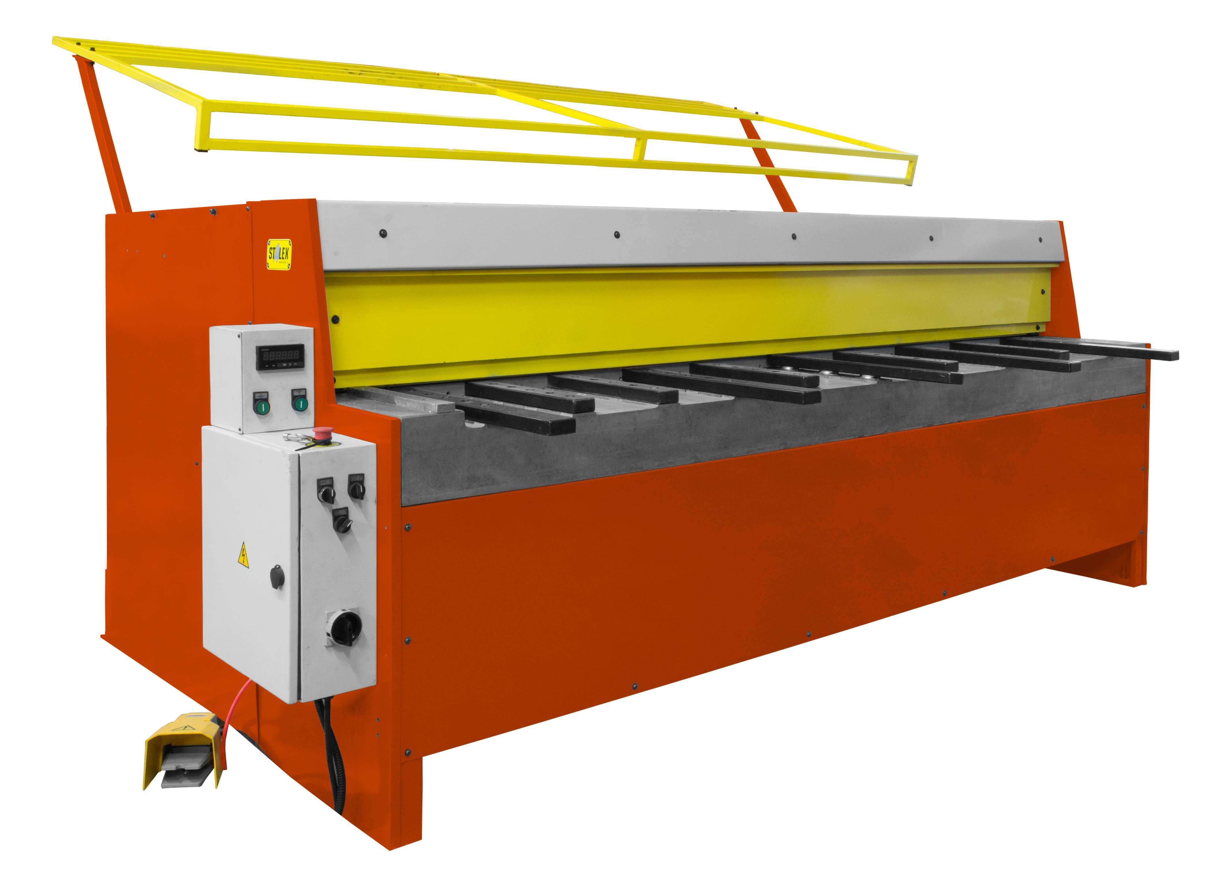 Электромеханические гильотины предназначены для резки металлического листа и широко используются в автомобильной
